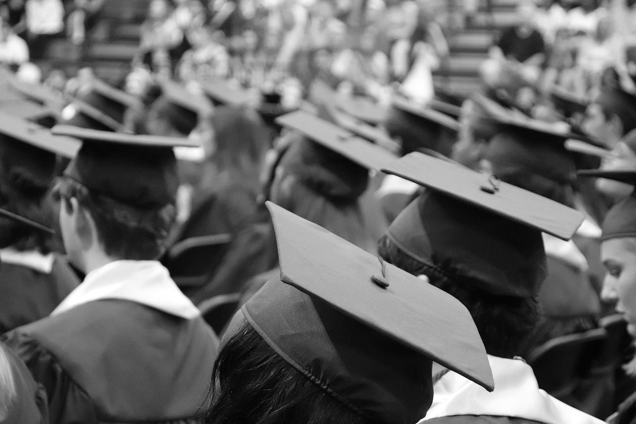 graduation-cap-3430714_1280